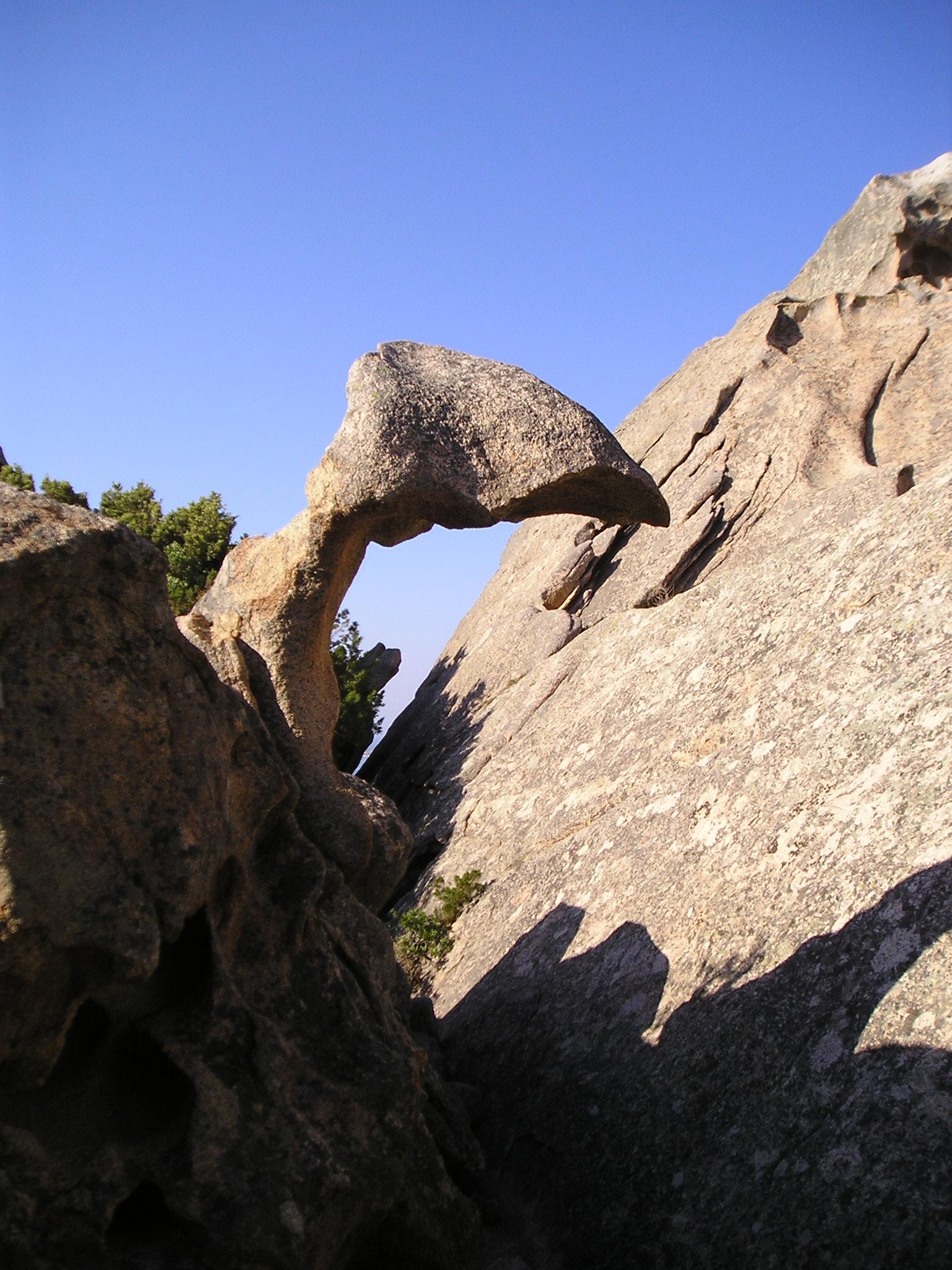 Capo-d-Orso   -Skalní útvary připomínají lebku ptakoještěra
